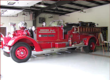 United Fire Co - 1939 Ahrens-Fox